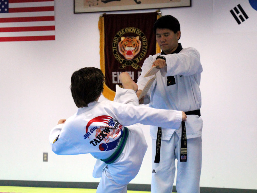 jihochoi-taekwondo-institute-education-breaking-test-header-fl