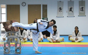jihochoi-taekwondo-institute-grand-master-choi-breaking-6-cement-blocks-e-fl